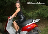Moto scooter lady